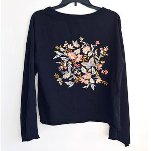 Bell Sleeve Crop Sweater Raw Hem Embroidery Floral